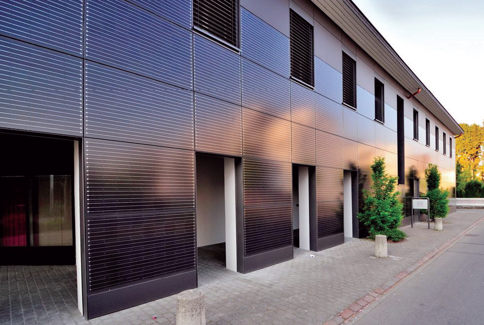 Photovoltaic glass plates for facade